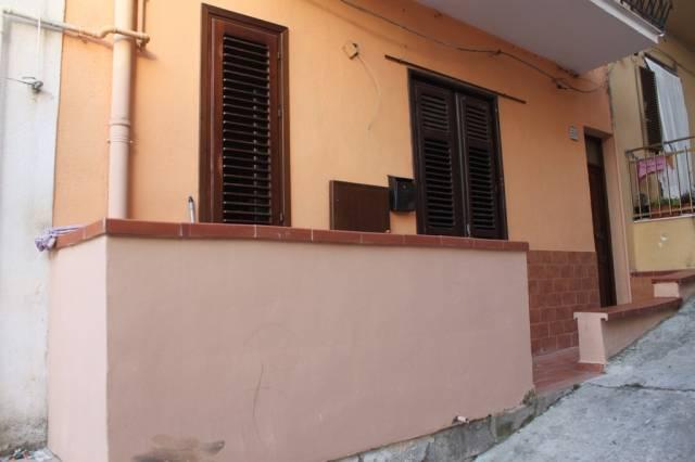 Soluzione Indipendente in vendita a Balestrate, 6 locali, prezzo € 120.000 | CambioCasa.it