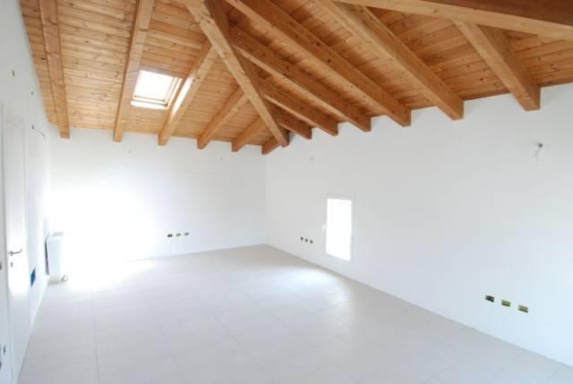 Ufficio / Studio in affitto a Mestrino, 4 locali, prezzo € 1.000 | CambioCasa.it