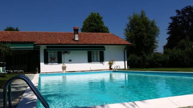 Villa in vendita a Miradolo Terme, 4 locali, prezzo € 850.000 | CambioCasa.it