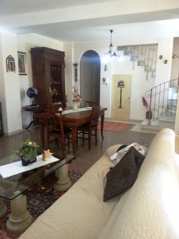 Rustico / Casale in vendita a Borghetto Lodigiano, 3 locali, prezzo € 189.000 | CambioCasa.it