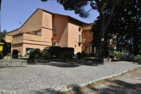 Albergo in vendita a Pitigliano, 6 locali, prezzo € 1.000.000 | CambioCasa.it