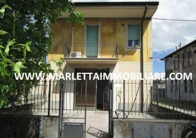 Negozio / Locale in affitto a Castelleone, 1 locali, prezzo € 400 | CambioCasa.it