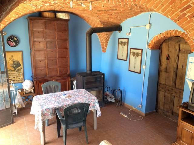 Rustico / Casale in vendita a Niella Tanaro, 6 locali, prezzo € 140.000 | CambioCasa.it