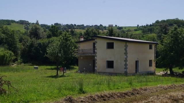 Villa in vendita a Caiazzo, 6 locali, prezzo € 150.000 | CambioCasa.it