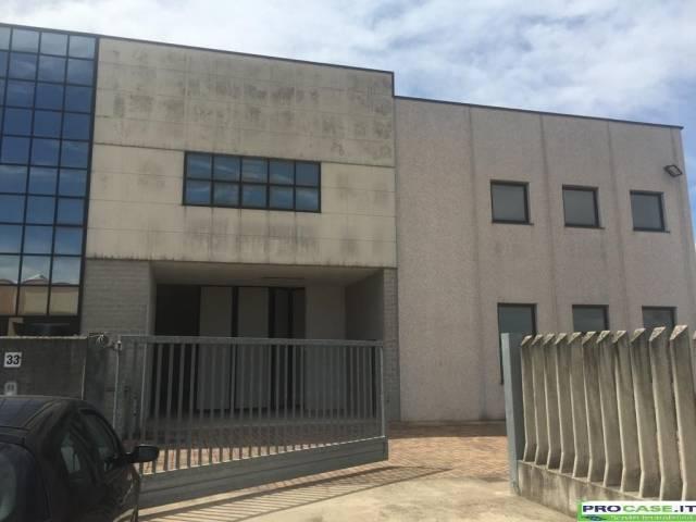 Capannone in affitto a Turate, 1 locali, prezzo € 1.830 | CambioCasa.it
