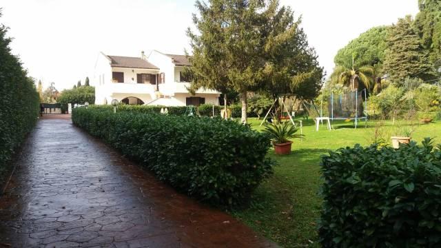 Villa in vendita a Sermoneta, 6 locali, prezzo € 325.000 | CambioCasa.it