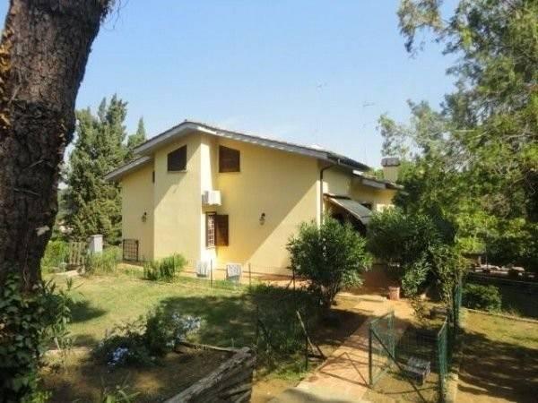 Villa in vendita a Sacrofano, 6 locali, prezzo € 615.000 | CambioCasa.it