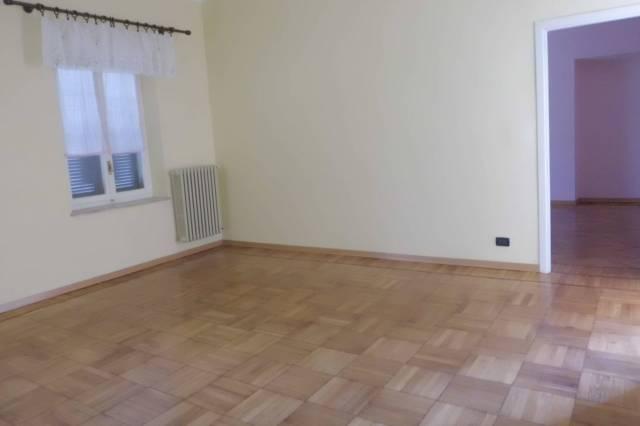 Appartamento in vendita a Bra, 2 locali, prezzo € 44.000 | CambioCasa.it