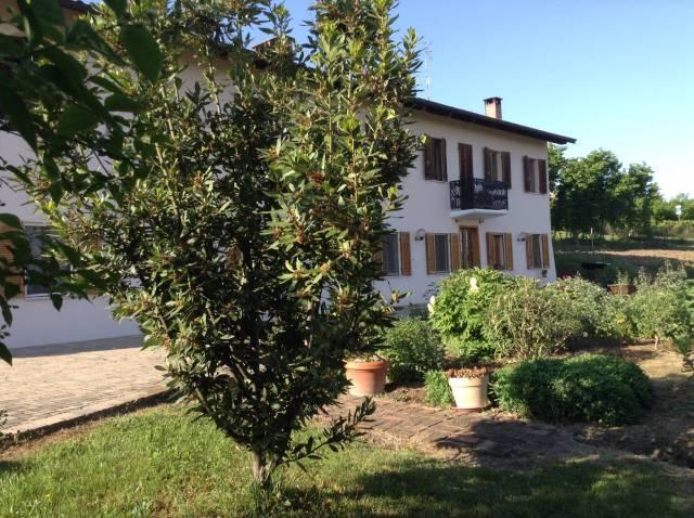Rustico / Casale in vendita a Roatto, 6 locali, prezzo € 290.000 | CambioCasa.it