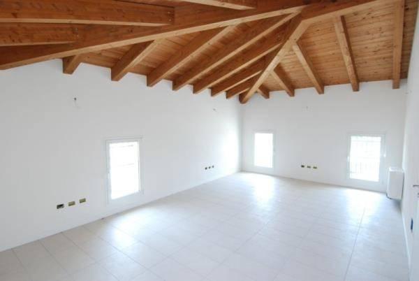 Ufficio / Studio in vendita a Mestrino, 4 locali, prezzo € 220.000 | CambioCasa.it