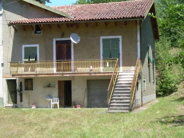 Rustico / Casale in vendita a Casaleggio Boiro, 6 locali, prezzo € 120.000 | CambioCasa.it
