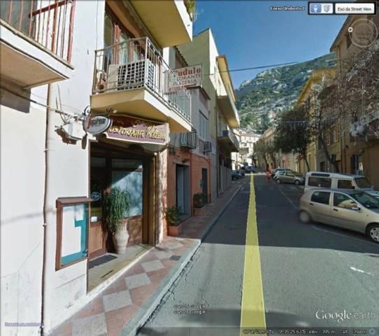 Negozio / Locale in vendita a Dorgali, 3 locali, prezzo € 300.000 | CambioCasa.it