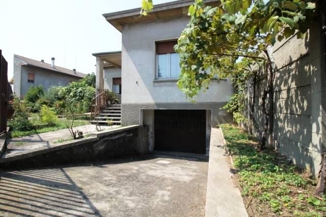 Villa in vendita a Busto Arsizio, 3 locali, prezzo € 145.000 | CambioCasa.it