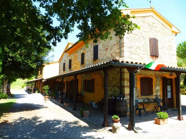 Rustico / Casale in vendita a Riparbella, 6 locali, prezzo € 650.000 | CambioCasa.it
