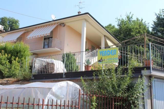 Villa in vendita a Bra, 6 locali, prezzo € 320.000 | CambioCasa.it