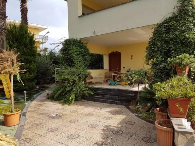 Villa in vendita a Mariglianella, 5 locali, prezzo € 290.000 | CambioCasa.it