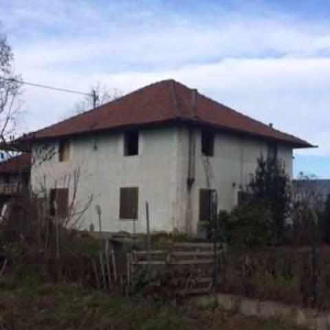 Rustico / Casale in vendita a Macello, 4 locali, prezzo € 45.000 | CambioCasa.it
