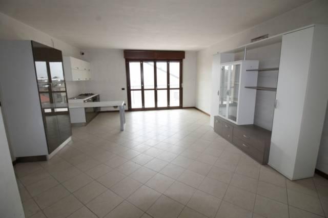 Appartamento in vendita a Busto Arsizio, 3 locali, prezzo € 178.000 | CambioCasa.it