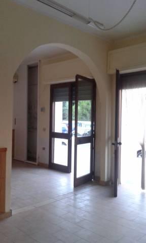 Negozio / Locale in vendita a Ginosa, 2 locali, prezzo € 65.000 | CambioCasa.it