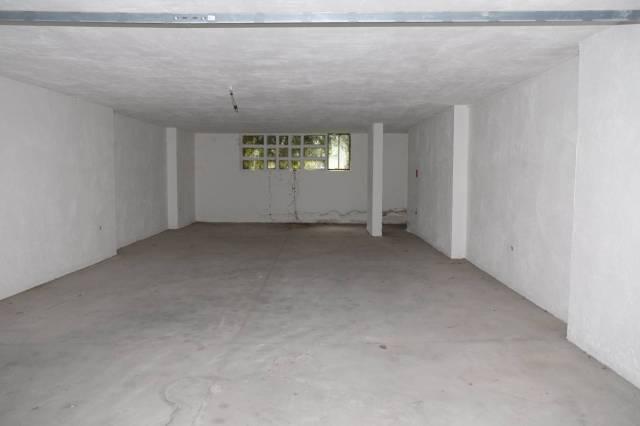 Box / Garage in Affitto a Sirmione