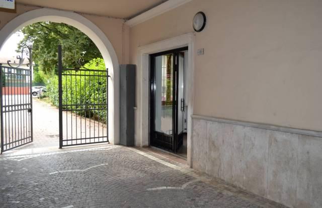 Ufficio / Studio in affitto a Villafranca di Verona, 2 locali, prezzo € 500 | CambioCasa.it
