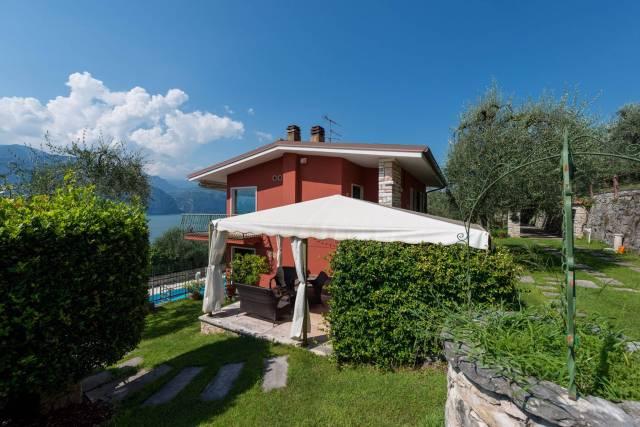 Villa in vendita a Brenzone, 6 locali, prezzo € 990.000 | CambioCasa.it