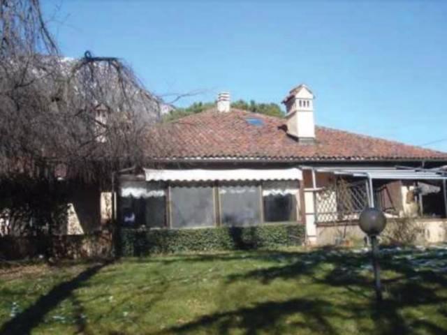 Villa in vendita a Piossasco, 6 locali, prezzo € 285.000 | CambioCasa.it