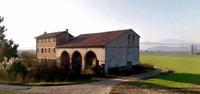 Rustico / Casale in vendita a Pernumia, 6 locali, prezzo € 490.000 | CambioCasa.it