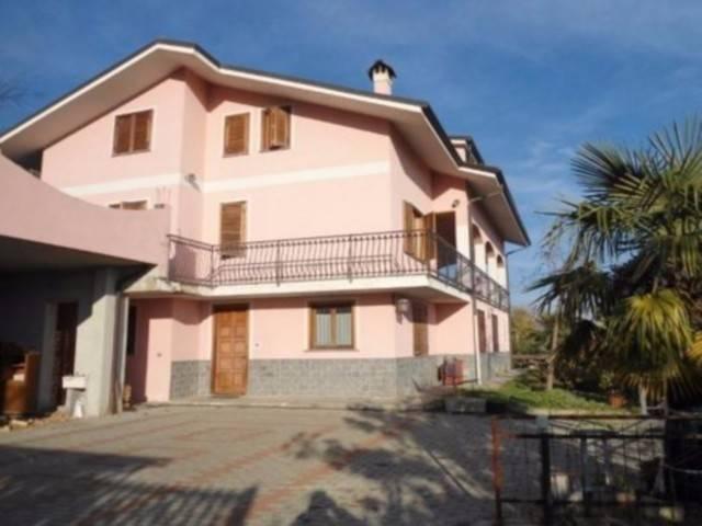 Villa in vendita a Frossasco, 6 locali, prezzo € 210.000 | CambioCasa.it