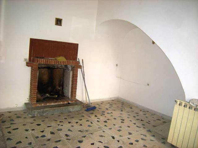Soluzione Indipendente in vendita a Castelforte, 5 locali, prezzo € 65.000 | CambioCasa.it