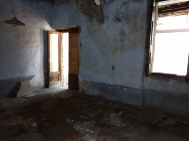 Rustico / Casale in vendita a Montoro, 3 locali, prezzo € 38.000 | CambioCasa.it