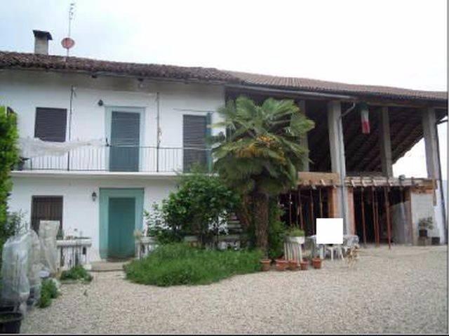 Rustico / Casale in vendita a Vigone, 4 locali, prezzo € 74.000 | CambioCasa.it
