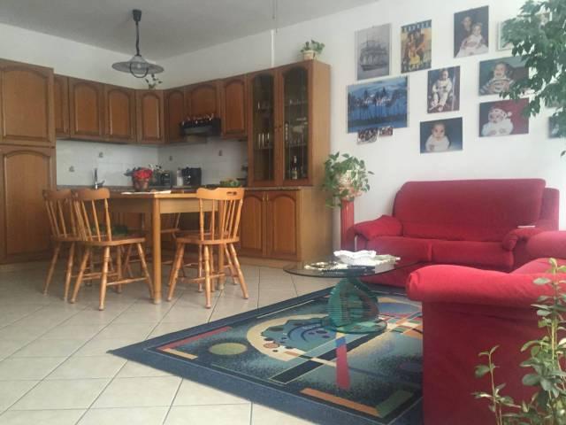 Appartamento in vendita a Rogeno, 2 locali, prezzo € 120.000 | CambioCasa.it