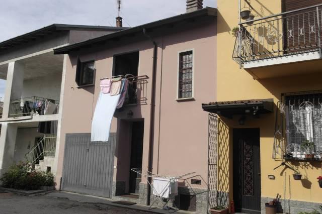 Appartamento in vendita a Besozzo, 3 locali, prezzo € 55.000 | CambioCasa.it