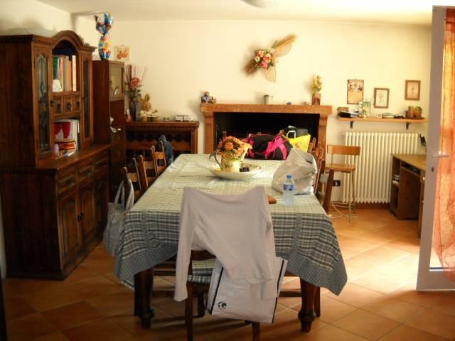 Villa in vendita a Castelnuovo del Garda, 5 locali, prezzo € 340.000 | CambioCasa.it