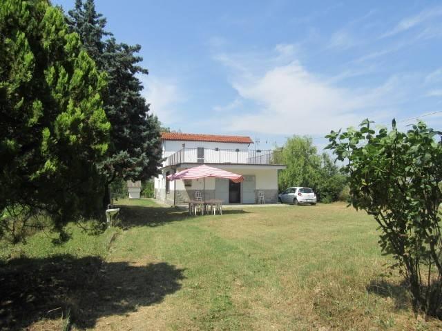 Villa in vendita a Rivalta Bormida, 6 locali, Trattative riservate   CambioCasa.it