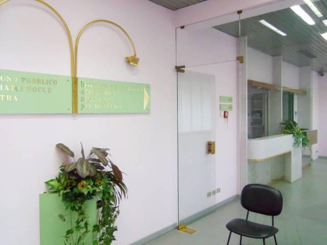 Negozio / Locale in affitto a Rovellasca, 6 locali, prezzo € 3.000   CambioCasa.it
