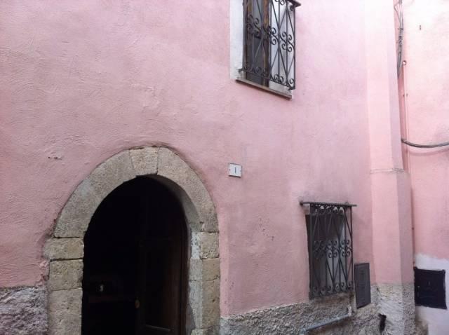 Appartamento in vendita a Scurcola Marsicana, 5 locali, prezzo € 50.000 | CambioCasa.it