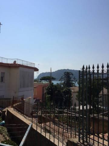 Appartamento in vendita a Bacoli, 3 locali, prezzo € 340.000   CambioCasa.it