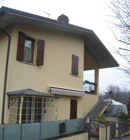Appartamento in vendita a Riolo Terme, 5 locali, prezzo € 140.000 | CambioCasa.it