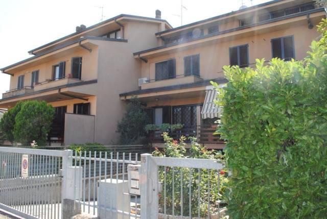 Villa a Schiera in vendita a Rodano, 6 locali, prezzo € 350.000 | CambioCasa.it