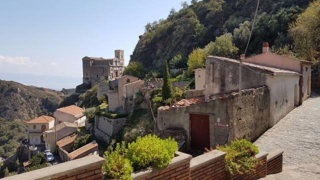 Villa in vendita a Savoca, 2 locali, Trattative riservate | CambioCasa.it