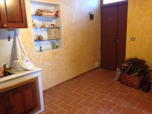 Appartamento in vendita a Capistrello, 3 locali, prezzo € 22.000 | CambioCasa.it