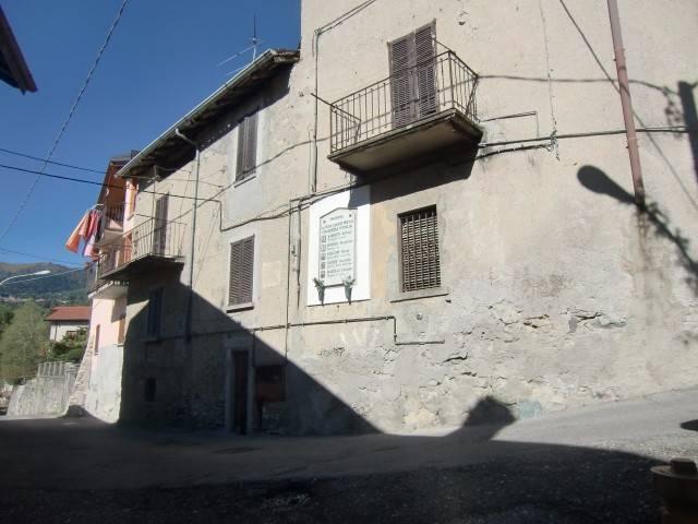Rustico / Casale in vendita a Asso, 6 locali, prezzo € 59.000   CambioCasa.it