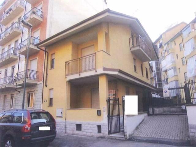 Soluzione Indipendente in vendita a Torino, 4 locali, zona Zona: 14 . Vallette, Lucento, Stadio delle Alpi, prezzo € 97.000 | CambioCasa.it
