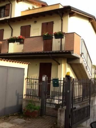 Appartamento in vendita a Comazzo, 1 locali, prezzo € 97.000 | CambioCasa.it