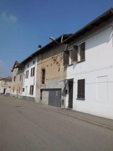 Box / Garage in vendita a Biandrate, 9999 locali, prezzo € 15.000 | CambioCasa.it