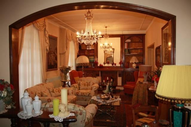 Villa in vendita a Lucca, 9999 locali, prezzo € 450.000 | CambioCasa.it