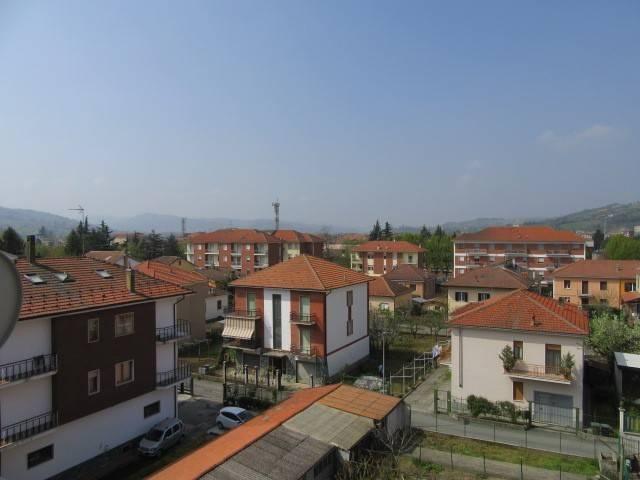 Appartamento in vendita a Acqui Terme, 4 locali, prezzo € 39.000 | CambioCasa.it