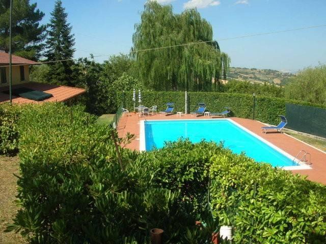 Rustico / Casale in vendita a Tolentino, 9999 locali, prezzo € 330.000 | CambioCasa.it